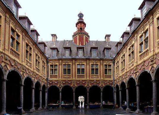 Lille_vieille_bourse_int